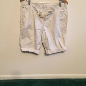 Adorable size 12 boyfriend shorts loft